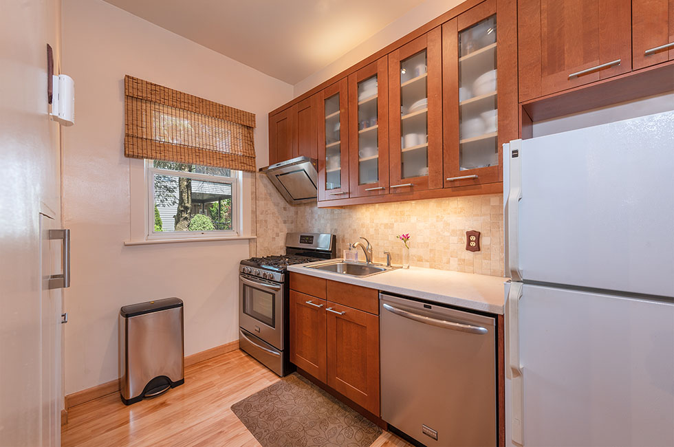 210A Bowers St - Kitchen