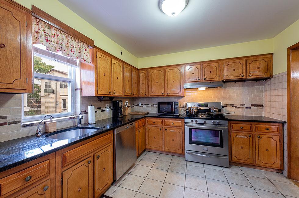 24 Leonard - Kitchen