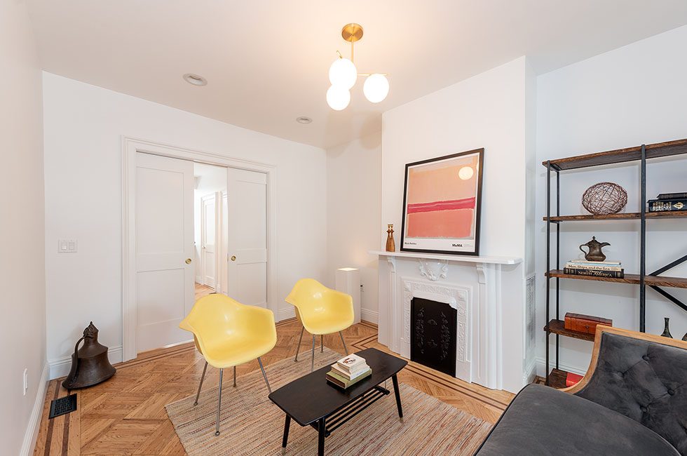 130 North St, Living Room